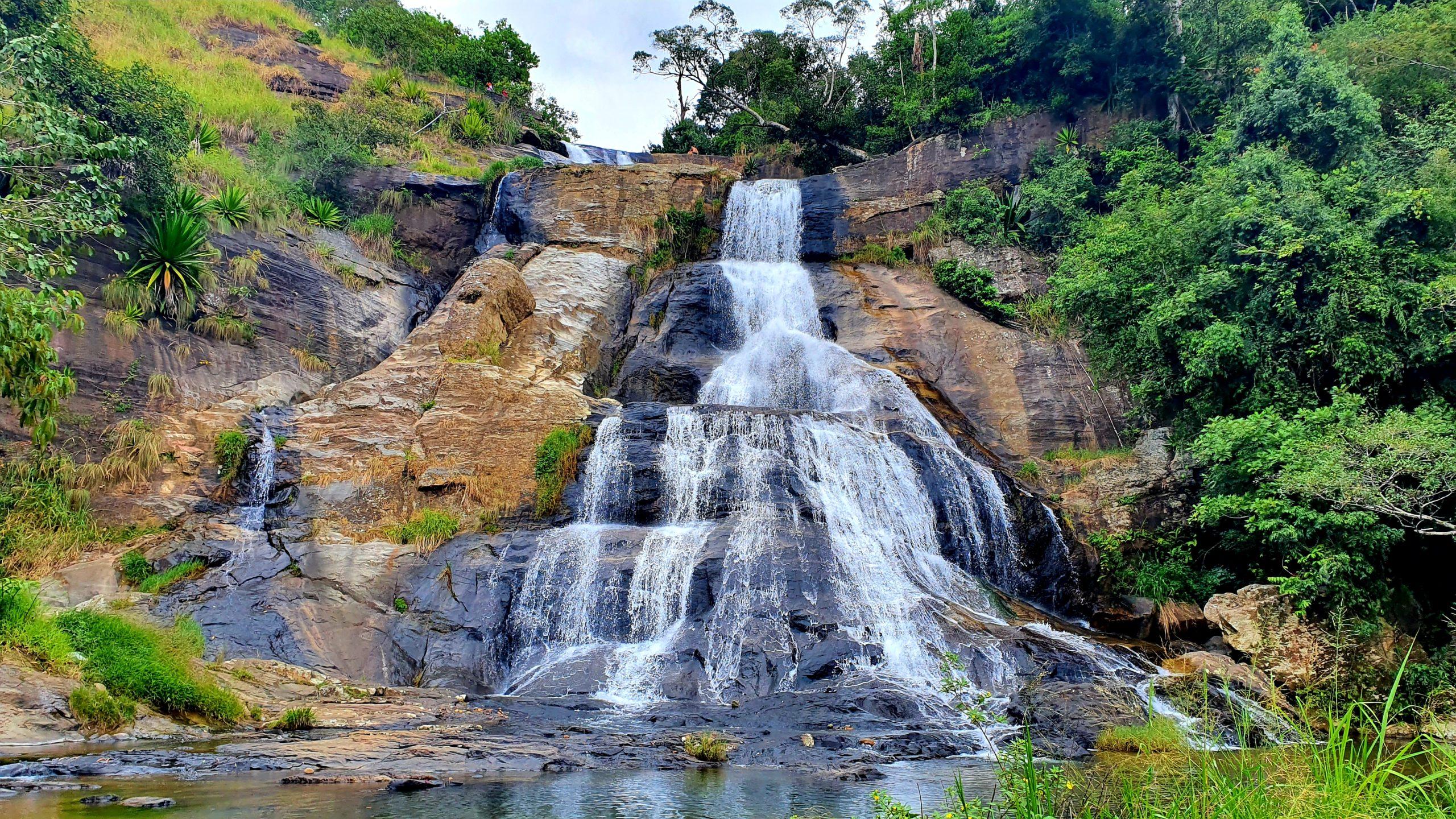 Diyaluma Falls warto zobaczyć Sri Lanka