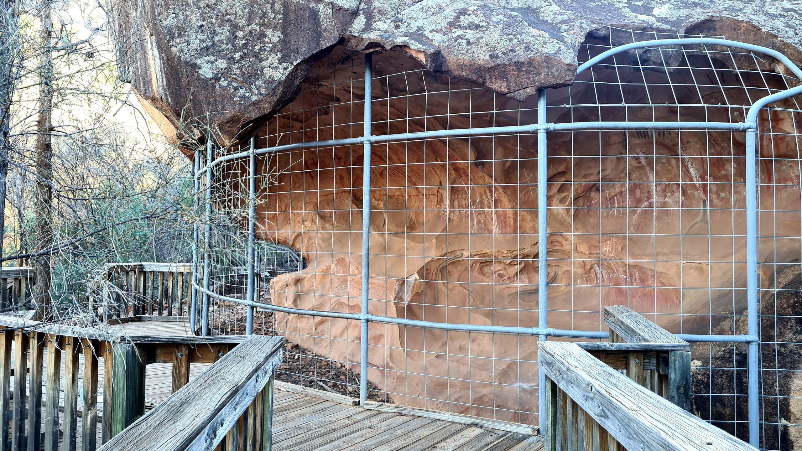 Flinders Ranges National Park Arkaroo Rock