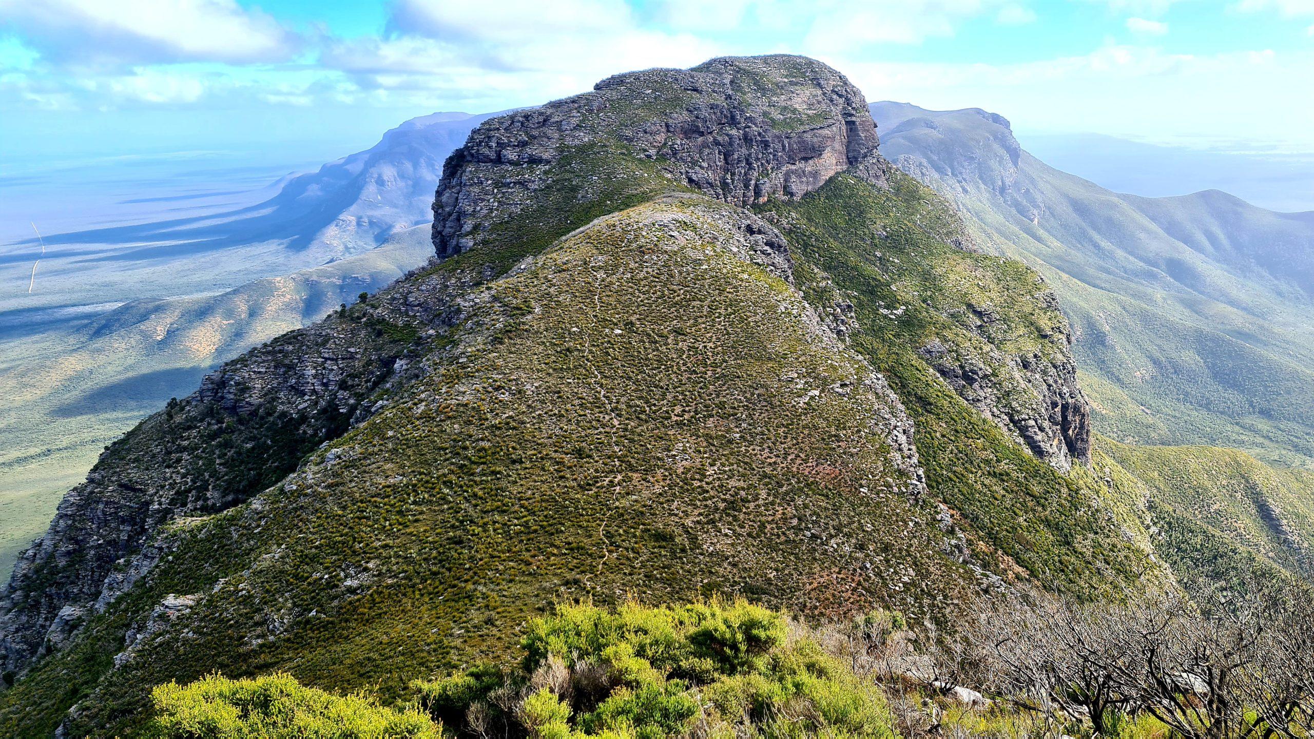 Ellen Peak (1012 metres)